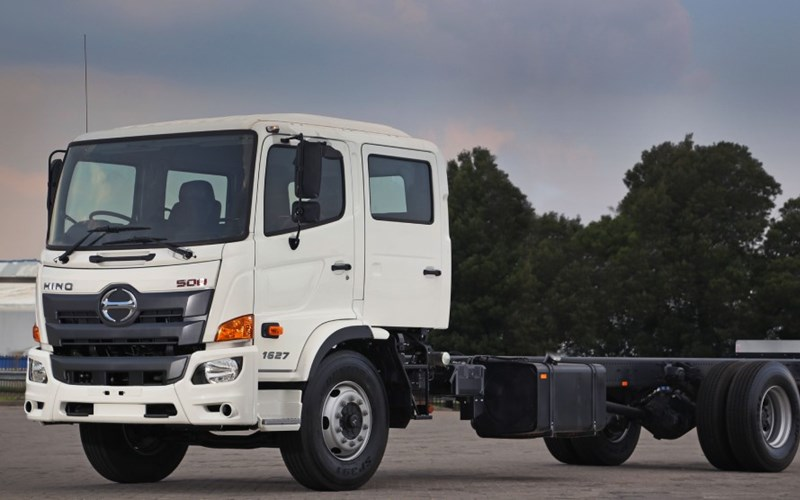 Hino 500 Crew Cab review