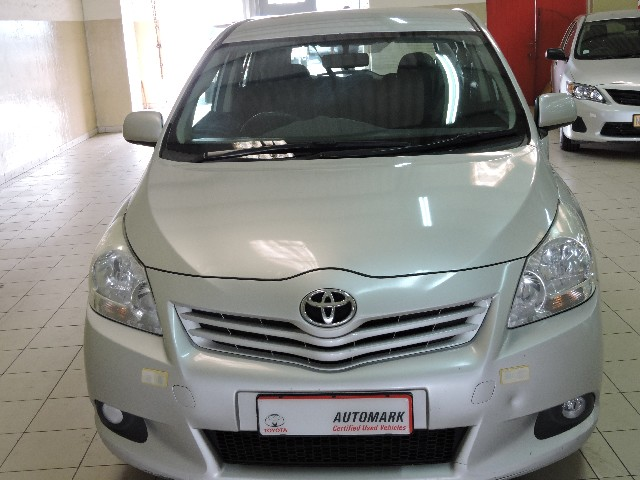 TOYOTA VERSO 1.6 SX - Front