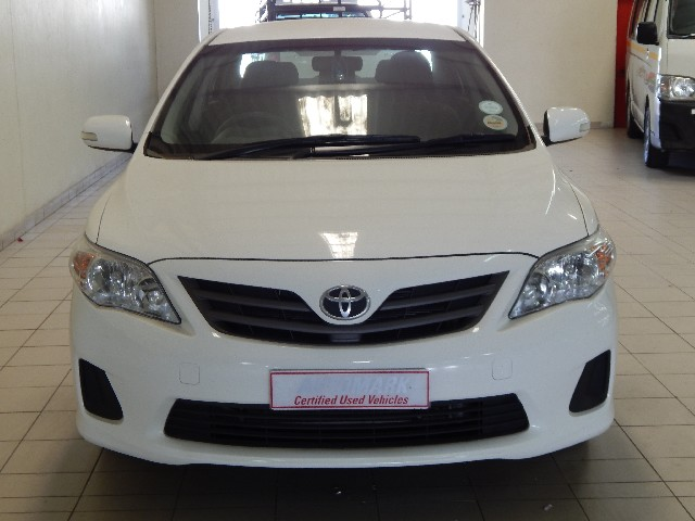 TOYOTA COROLLA 1.6 PROFESSIONAL - Front