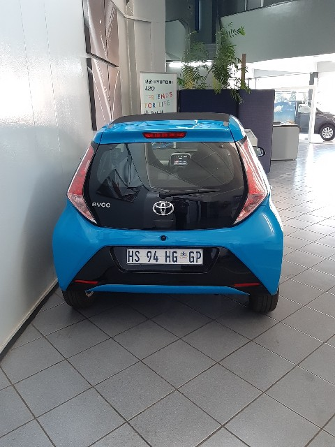 TOYOTA AYGO 1.0  X- PLAY (5DR) - Back
