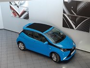 TOYOTA AYGO 1.0  X- PLAY (5DR) - Front