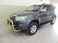 TOYOTA FORTUNER 4.0 V6 A/T 4X4 - Main