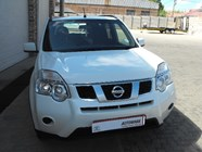 NISSAN X TRAIL 2.0 dCi 4X2 XE (R82/R88) - Front