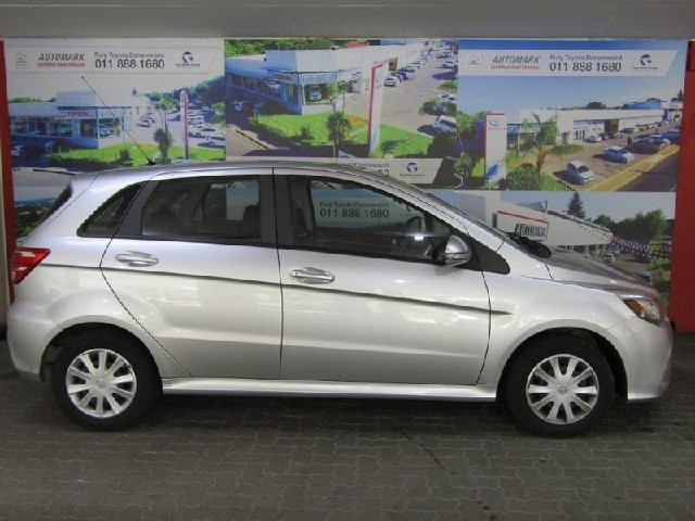 BAIC D20 1.3 COMFORTABLE 5DR - Side