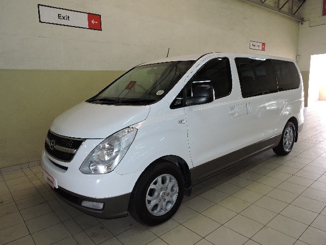 HYUNDAI H-1 GLS 2.4 CVVT/ 2.4 EXECUTIVE - Back