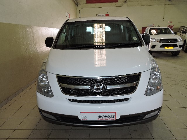 HYUNDAI H-1 GLS 2.4 CVVT/ 2.4 EXECUTIVE - Side