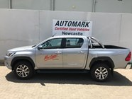 TOYOTA HILUX 2.8 GD-6 RB RAIDER A/T P/U D/C - Side