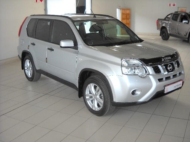 NISSAN X TRAIL 2.0 4X2 XE (R79/R85) - Side