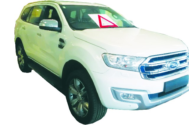 FORD EVEREST 3.2 TDCi LTD 4X4 A/T - Front