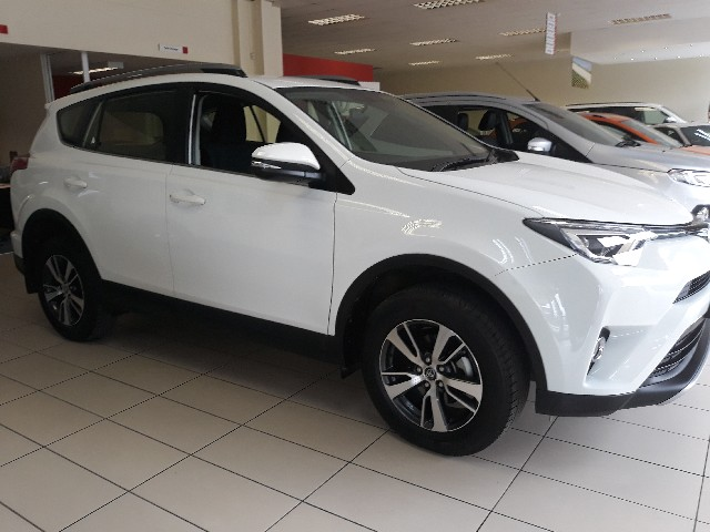 TOYOTA RAV4 2.0 GX - Side