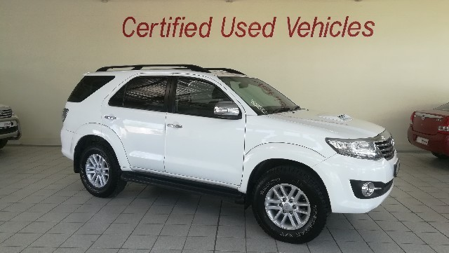TOYOTA FORTUNER 3.0D-4D 4X4 A/T - Back