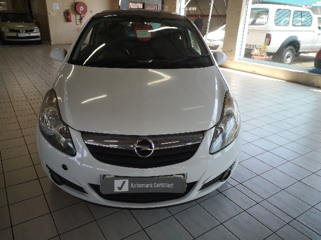 OPEL CORSA 1.4 SPORT 3Dr S/ROOF - Front