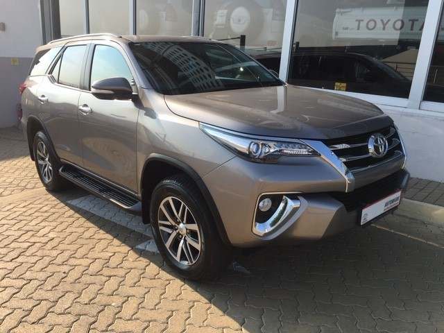 TOYOTA FORTUNER 2.8GD-6 4X4 A/T - Front
