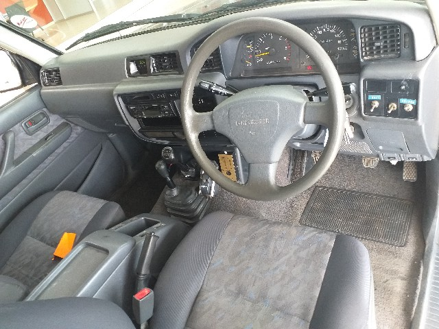 TOYOTA LAND CRUISER S/W D GX - Interior