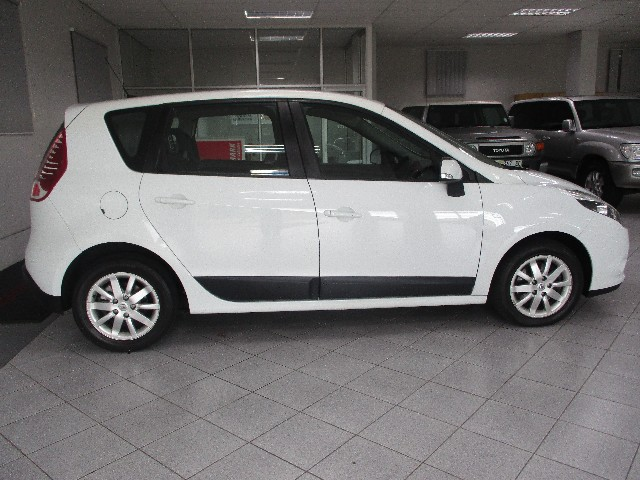 RENAULT SCENIC III 1.6 EXPRESSION - Back