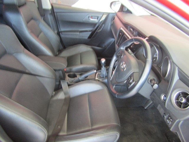 TOYOTA AURIS 1.6 XR - Additional