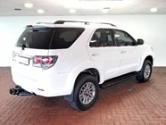 TOYOTA FORTUNER 3.0D-4D R/B A/T - Back