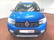 RENAULT SANDERO 900T STEPWAY EXPRESSION - Front