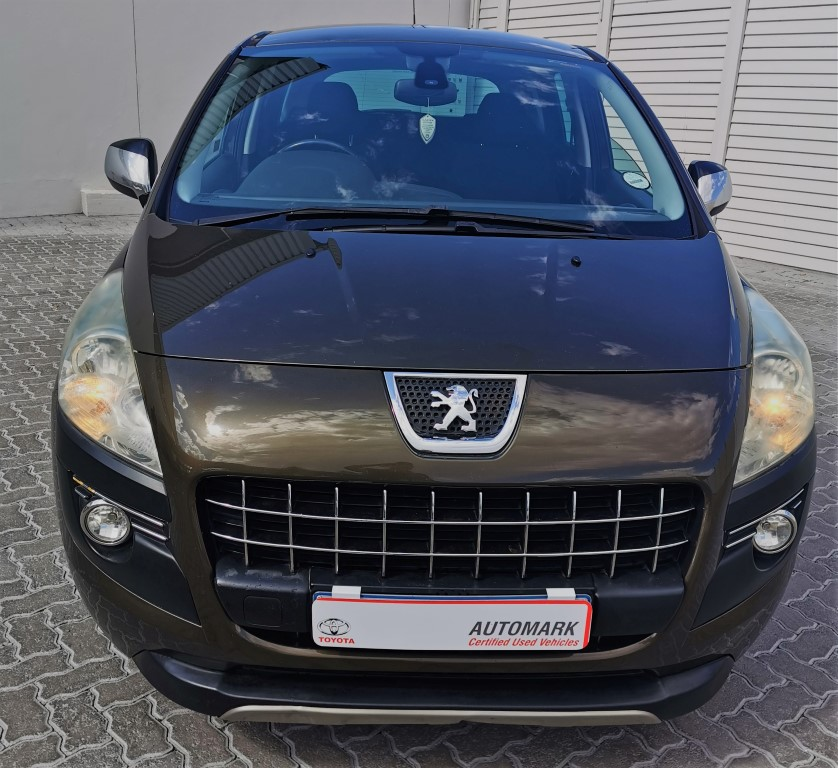 PEUGEOT 3008 2.0 HDI EXECUTIVE - Front