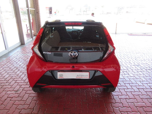 TOYOTA AYGO 1.0  X-PLAY (5DR) - Back