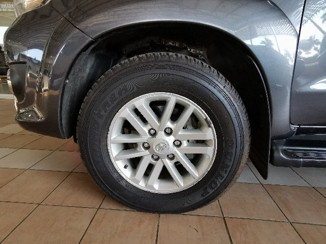 TOYOTA FORTUNER 3.0D-4D 4X4 A/T - Additional