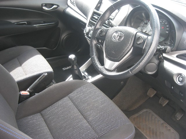 TOYOTA YARIS 1.5 Xs 5Dr - Side