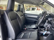 TOYOTA HILUX 2.0 VVTi A/C P/U S/C - Additional