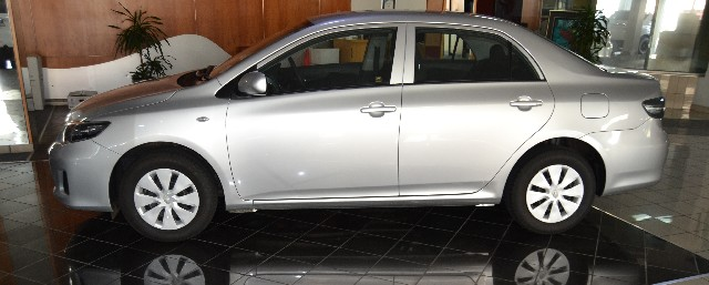 TOYOTA COROLLA QUEST 1.6 - Side