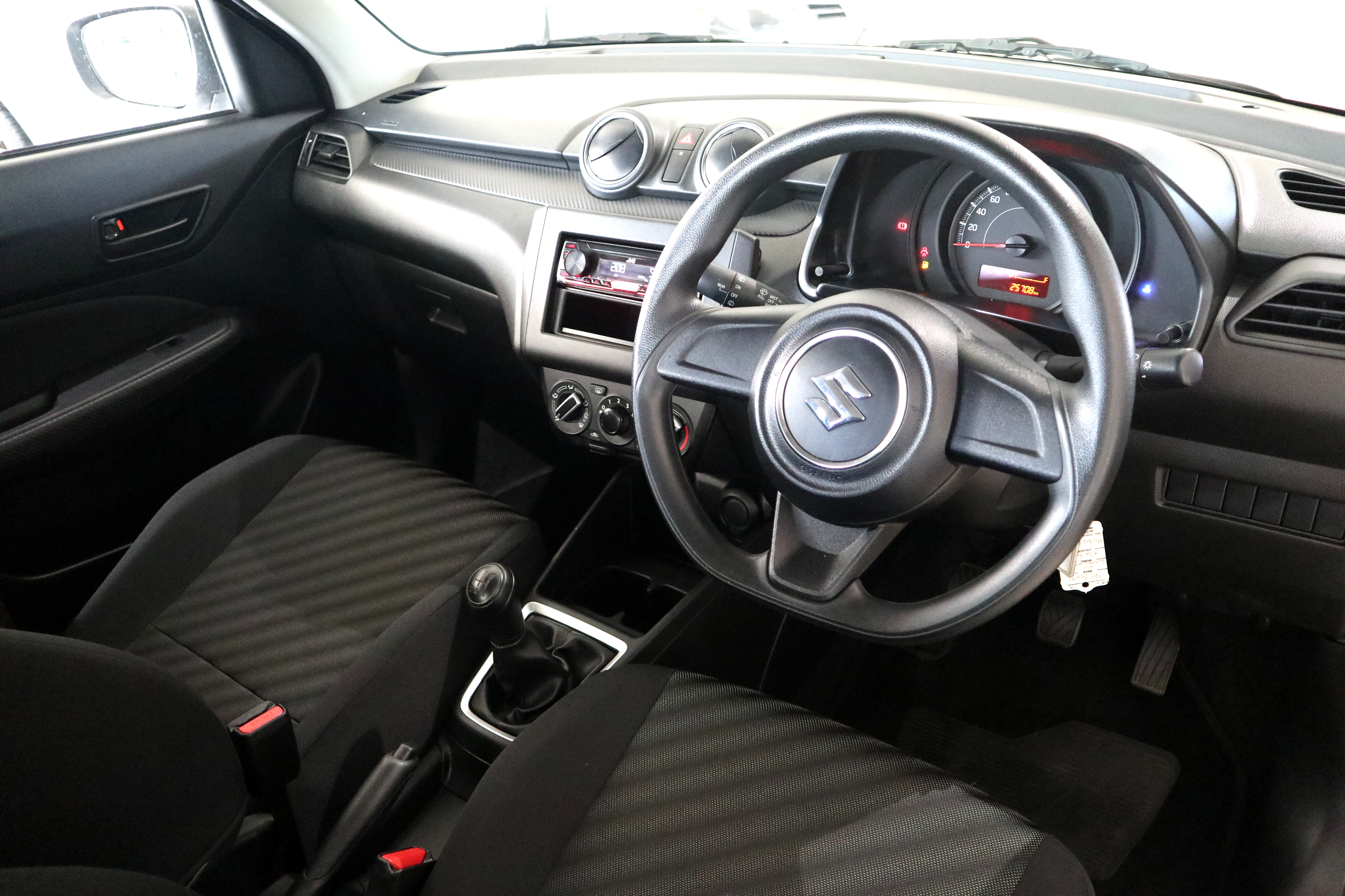SUZUKI SWIFT 1.2 GA - Interior