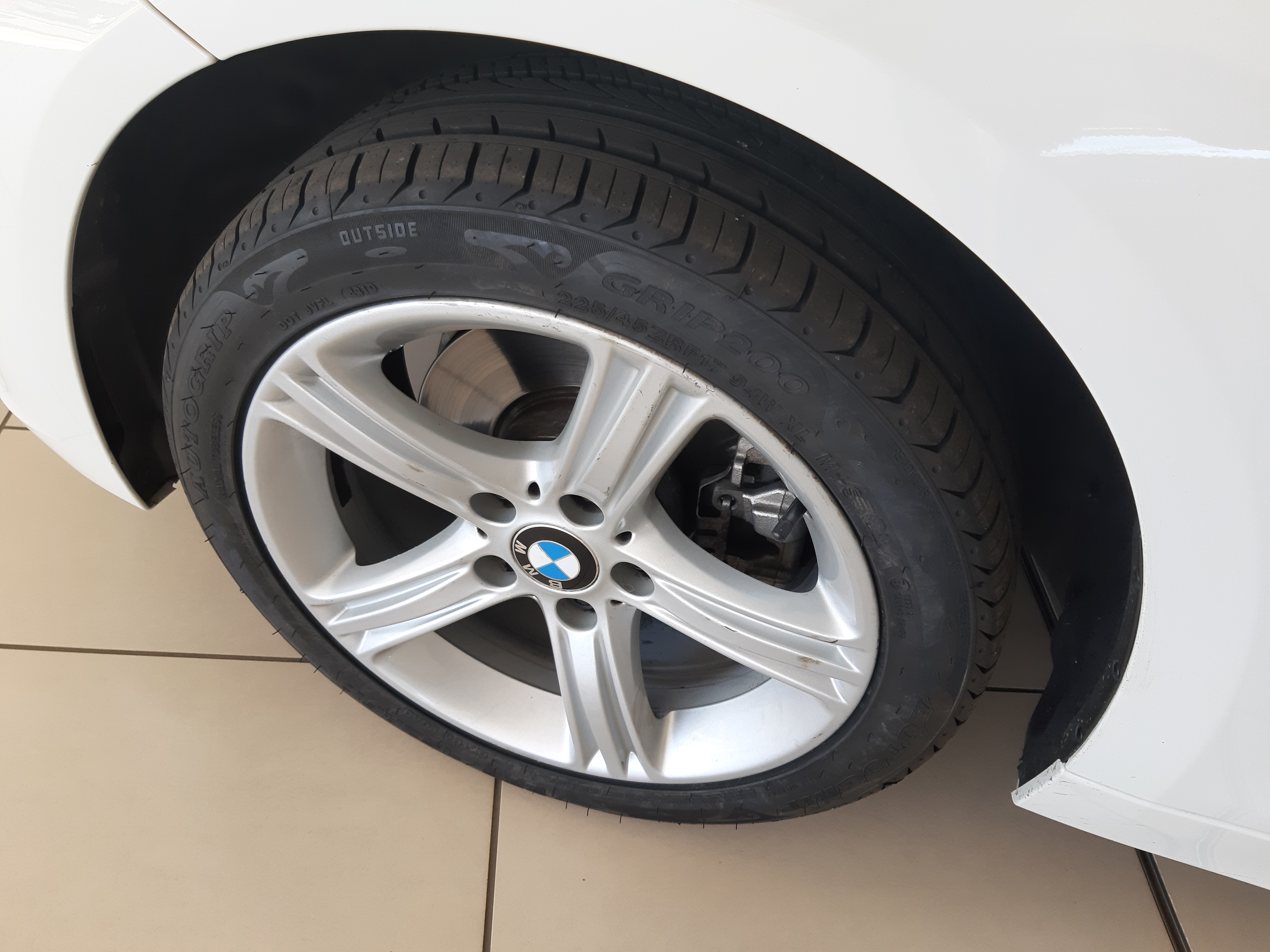 BMW 320D A/T (F30) - Additional