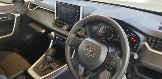 TOYOTA RAV4 2.0 GX CVT - Additional