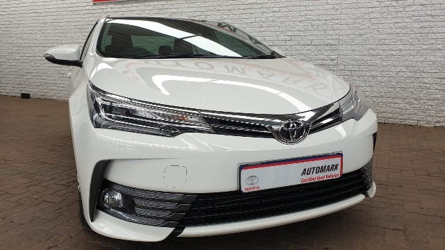 TOYOTA COROLLA 1.8 EXCLUSIVE CVT - Front