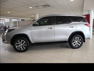 TOYOTA FORTUNER 2.8GD-6 R/B A/T - Side
