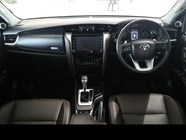 TOYOTA FORTUNER 2.8GD-6 R/B A/T - Interior
