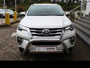 TOYOTA FORTUNER 2.8GD-6 4X4 - Front