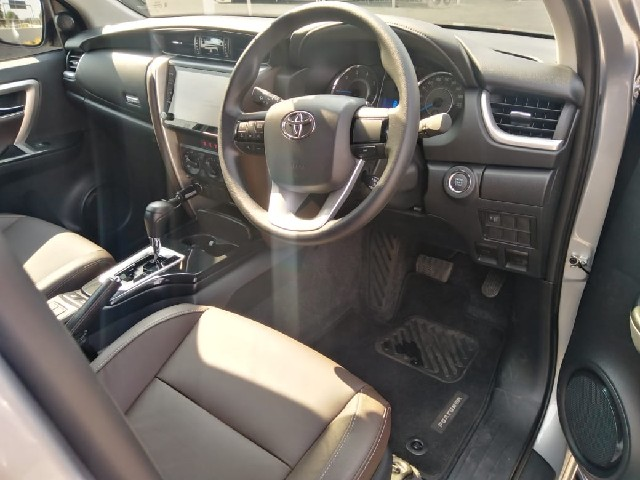 TOYOTA FORTUNER 2.4GD-6 R/B A/T - Additional