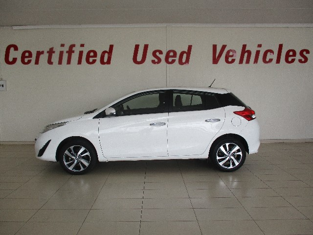 TOYOTA YARIS 1.5 XS CVT 5Dr - Side