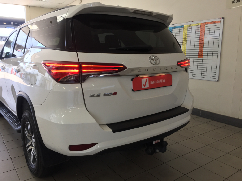 TOYOTA FORTUNER 2.8GD-6 EPIC A/T - Back