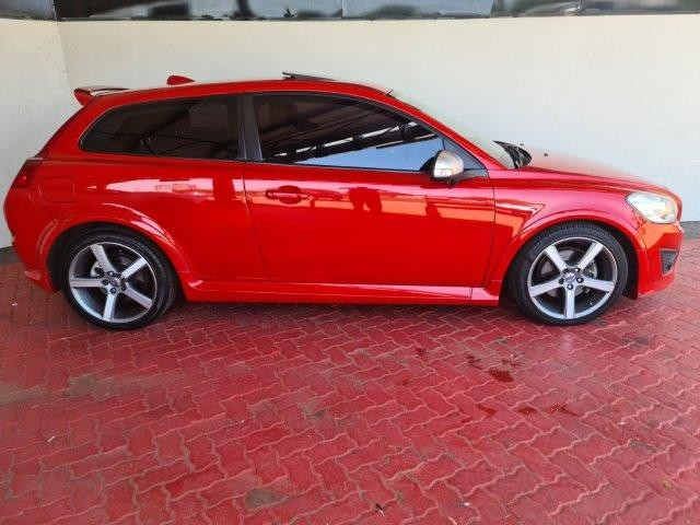 VOLVO C30 T5 A/T R-DESIGN - Side
