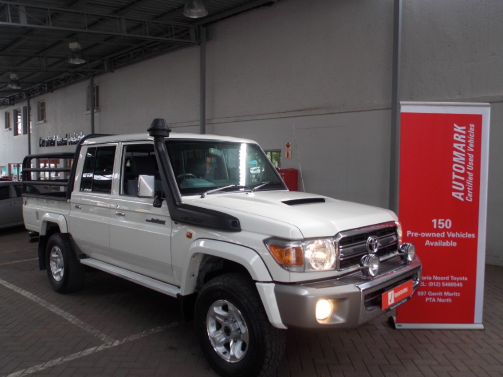 TOYOTA LAND CRUISER 79 4.5D P/U D/C - Main