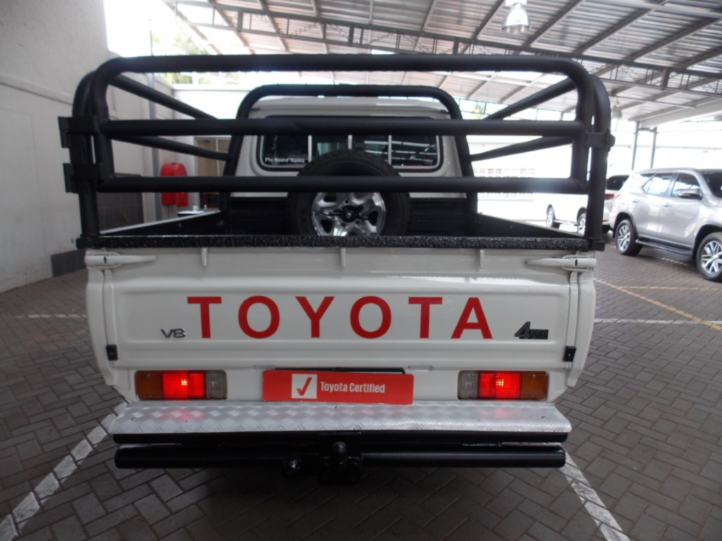 TOYOTA LAND CRUISER 79 4.5D P/U D/C - Back
