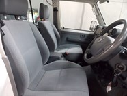 TOYOTA LAND CRUISER 79 4.5D P/U D/C - Interior