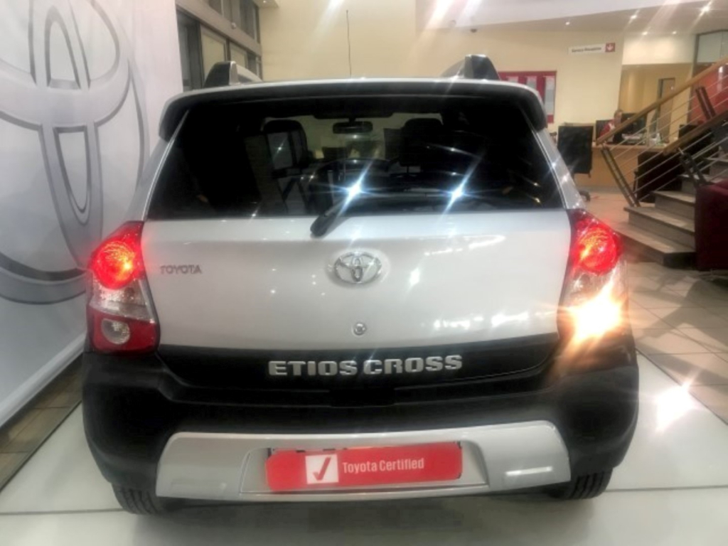 TOYOTA ETIOS CROSS 1.5 Xs 5Dr - Back