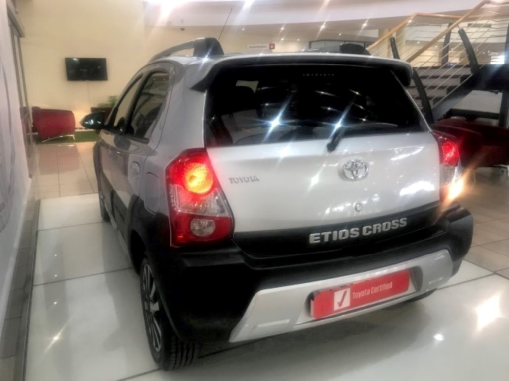 TOYOTA ETIOS CROSS 1.5 Xs 5Dr - Additional